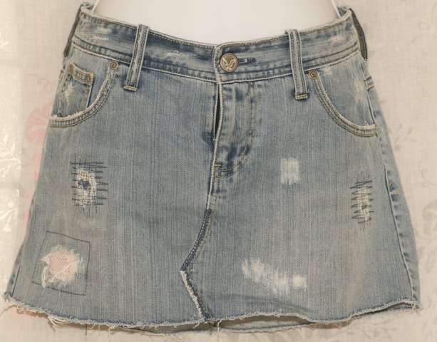 American Eagle Distressed Jean Denim Mini Skirt size 4