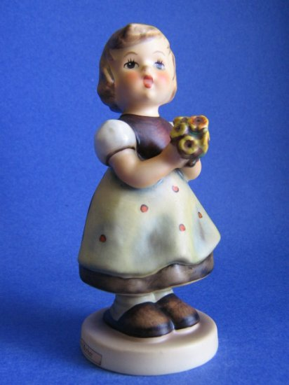Hummel figurine FOR MOTHER HUM 257 TMK 5