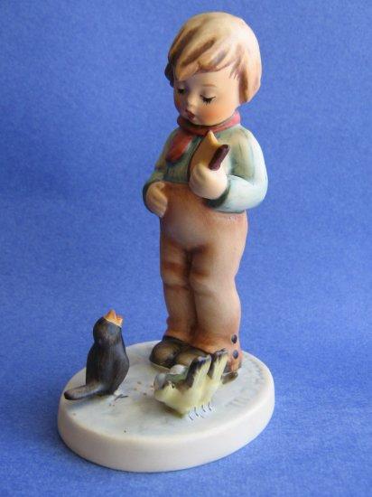 Hummel figurine BIRD WATCHER HUM 300  TMK 5