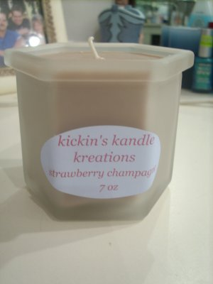Soy Strawberry Champagne 7 oz