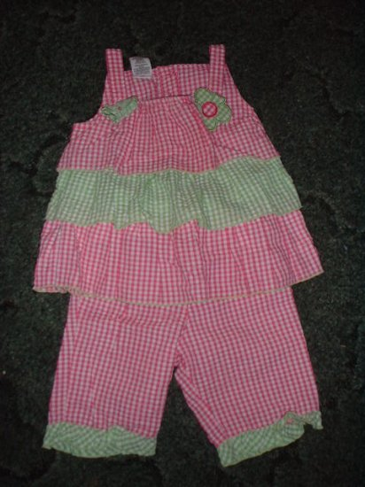 Pink and green summer outfit