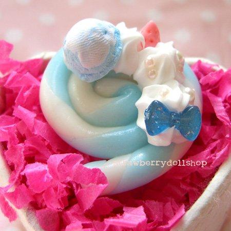 Lollipop ring [white x blue, pink berries, blue mini ice cream]