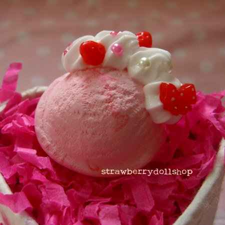 Ice cream scoop ring [size M, pink x red ice cream, red berries]