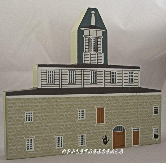 CAT'S MEOW VILLAGE SHAKER SERIES ROUND BARN 1995 NEW