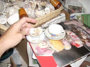 2 cups / saucers for your doll; china