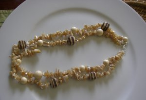 Neutral Chip Necklace