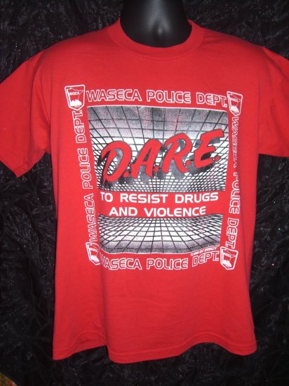 Unique Red D.A.R.E.  DARE To Resist Drugs Violence Medium or LARGE T-Shirt WASECA MN