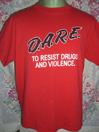 Rare DARE D.A.R.E. Size Medium / Large T-Shirt DARE TO RESIST DRUGS and VIOLENCE