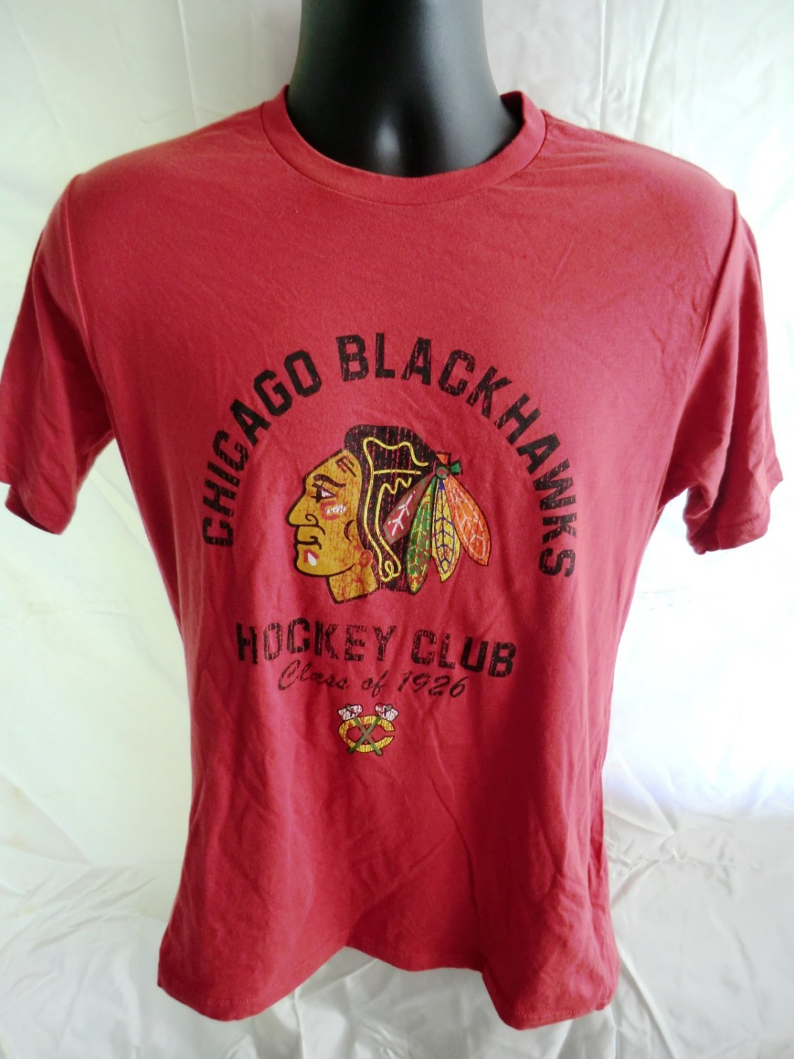 Chicago BlackHawks Size Medium T-Shirt Hockey NHL