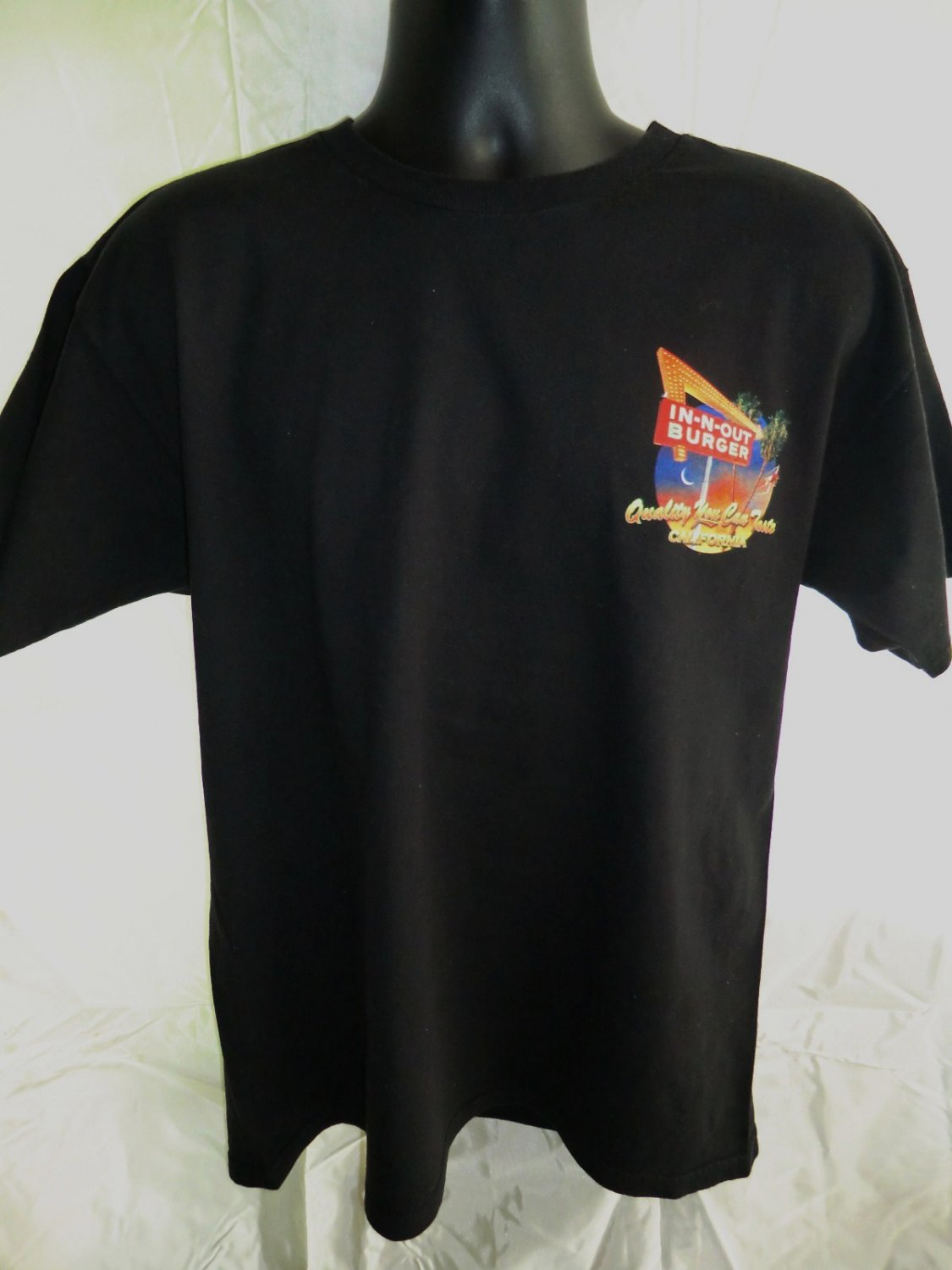 SOLD! In-N-Out Burger Black Large T-Shirt Cool Cars