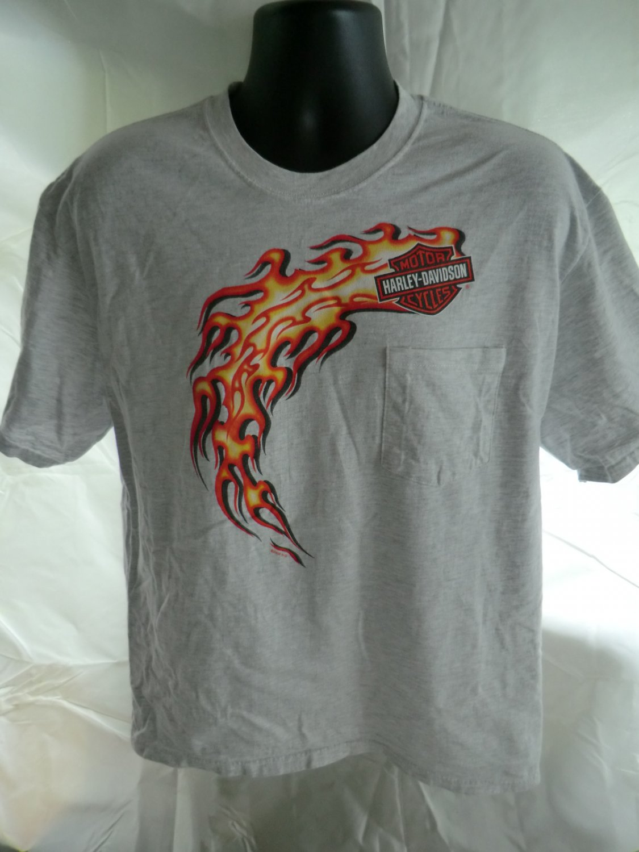 Harley Davidson Large T-Shirt Flames Pocket  / Dealer from Kauai Hawaii