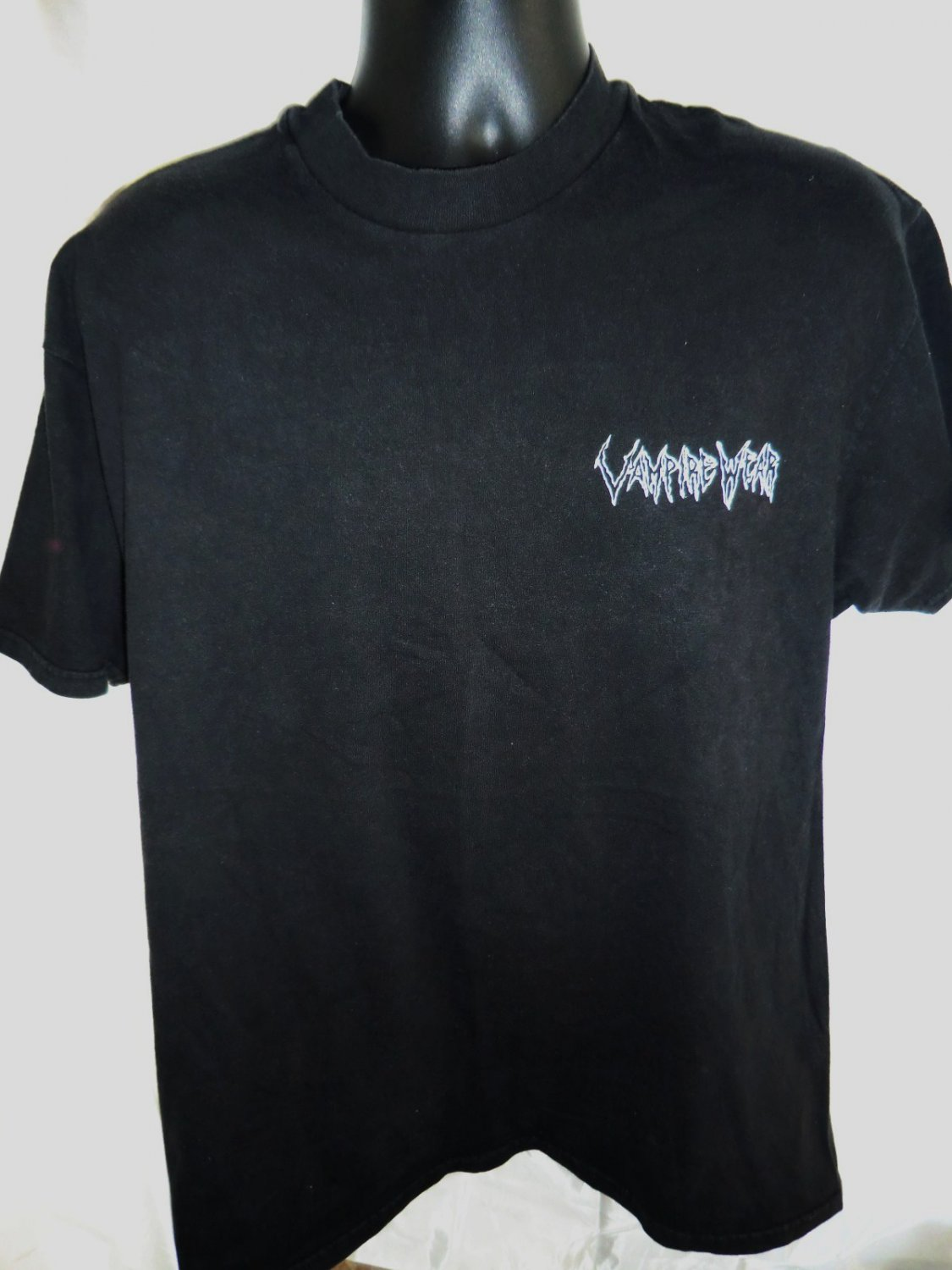 VAMPIRE WEAR Go For The Treat Size Large T-Shirt