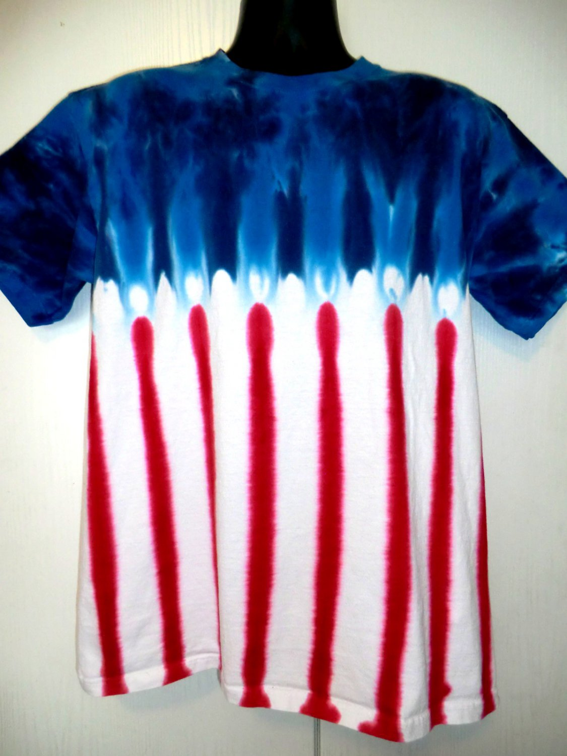 Tie dye red white blue t shirt size large for Red and blue t shirt