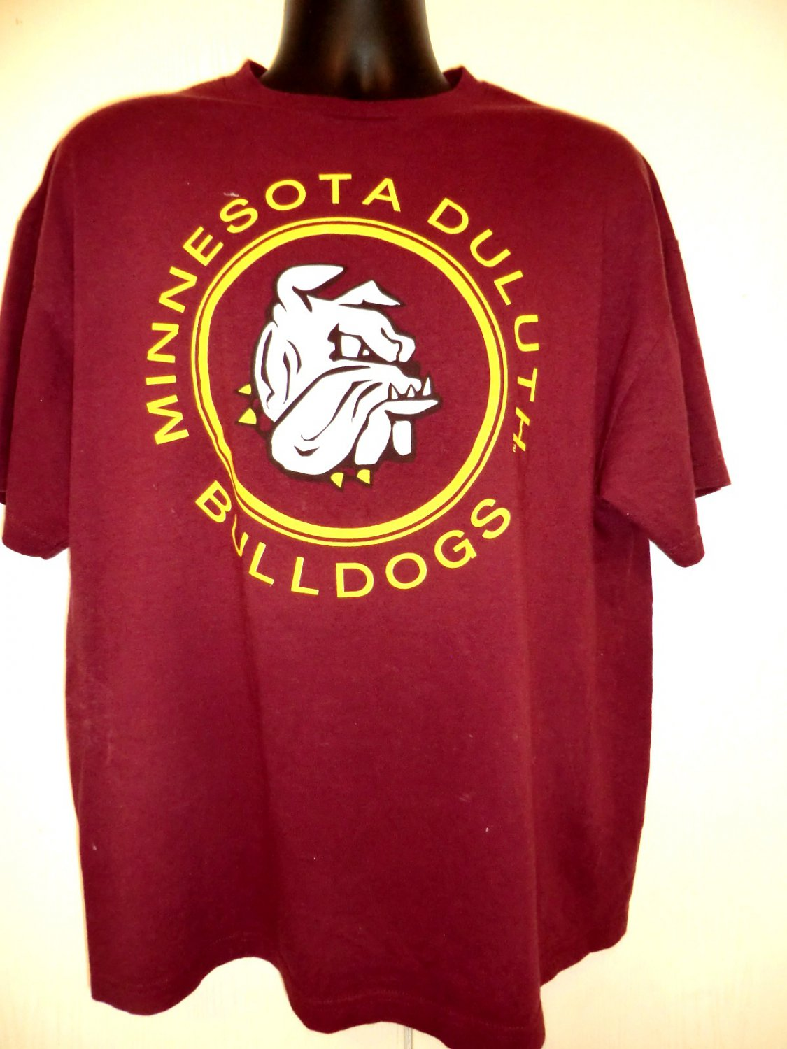 Minnesota duluth bulldogs t shirt size xl for Duluth t shirt commercial