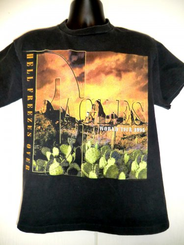 The EAGLES HELL FREEZES OVER Tour 1995 T-Shirt Size Medium