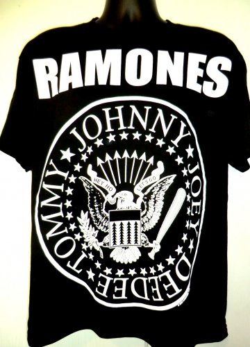 The RAMONES T-Shirt Size Large