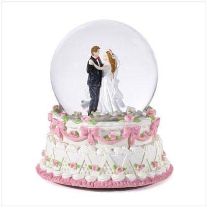 Bridal Snowglobe - beautiful wedding / bridal gift!