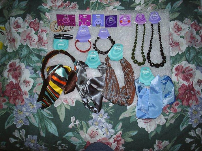 Jewelery and headbands - Assortment of