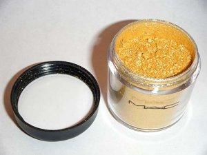 MAC Pigment *GOLDEN LEMON* (¼ tsp)