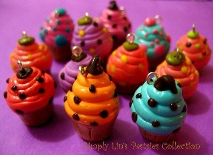 Cupcake Charm - 8 pcs Assorted