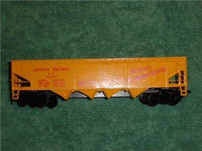 Tyco Union Pacific Railroad 4 Bay Hopper Car