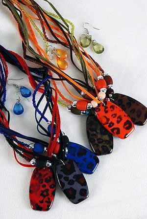 Necklace Sets Wooden Bead W Animal Pandent/DZ ** New Arrival** 6 Color Asst