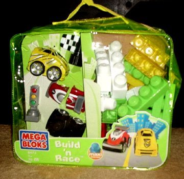 MEGA BLOKS Build and Race blocks with carry bag NEW
