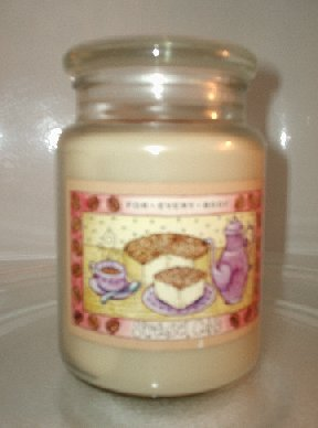 New STREUSEL CAKE scented housewarmer jar candle 22 oz (like Yankee Candle)