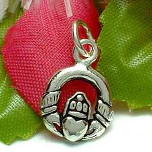 925 STERLING SILVER CLADDAGH CHARM / PENDANT