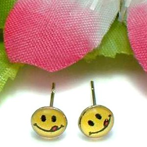 925 STERLING SILVER SMILEY FACE YUMMY STUD EARRINGS
