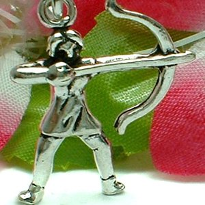 925 STERLING SILVER ARCHERY WITH BOW AND ARROW CHARM / PENDANT