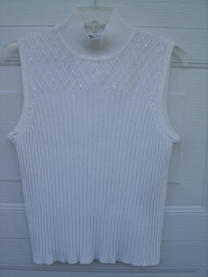 Dressbarn White Embellished Sweater Top SIZE MEDIUM