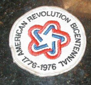 AMERICAN REVOLUTION BICENTENNIAL1876-1976 PATCH