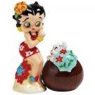 Hawaiian Betty and Pudgy S&P Shaker Set $29.99 #24026