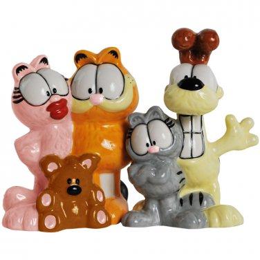 Garfield and Friends S&P Shaker Set $29.99 #15972