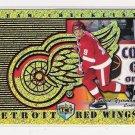 1998-99 DYNAGON ICE STEVE YZERMAN RED WINGS TEAM CHECKLIST CARD