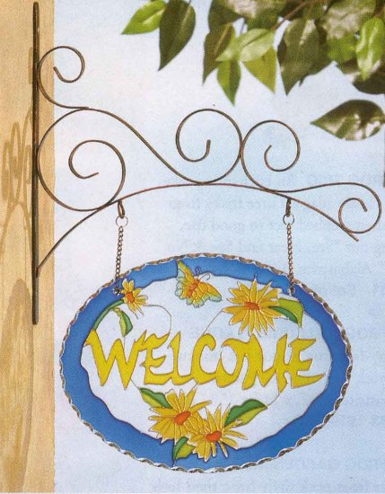 """Flowery """"welcome"""" sign"""