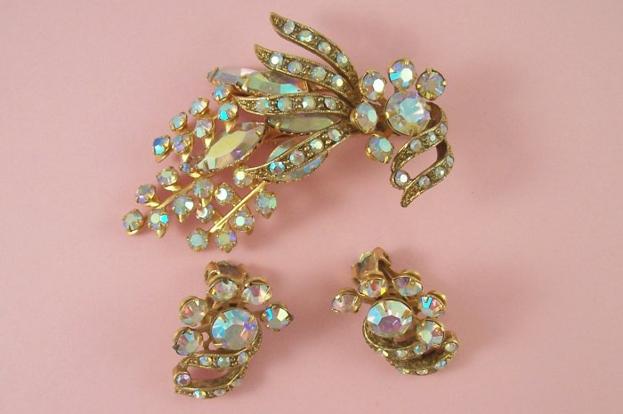 Vintage Selini  Rhinestone Brooch Earrings Demi Set Pastel Aurora Borealis