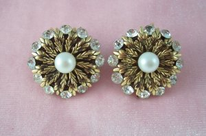 Vintage Rhinestone Faux Pearl Earrings Gold Tone Acanthus Leaf