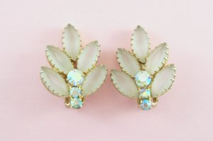 Vintage Juliana White Vanilla Frosted Aurora Borealis Earrings Matte Leaf Delizza and Elster