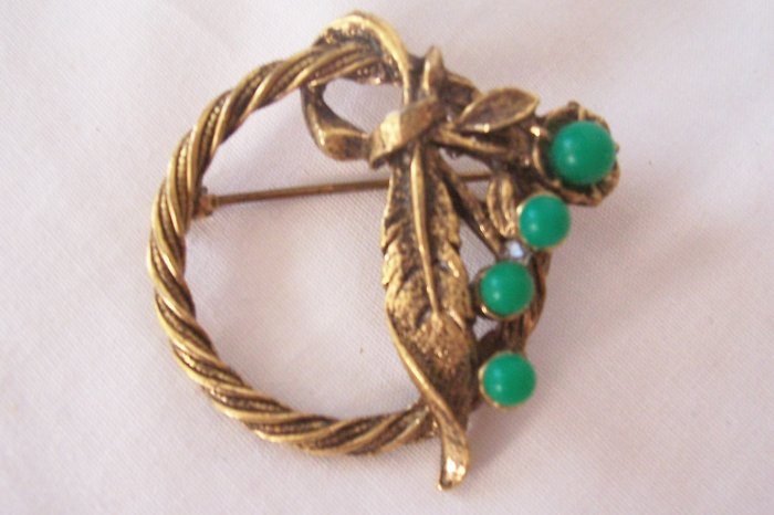 Vintage Circle Brooch Feather and Green Bead Accents