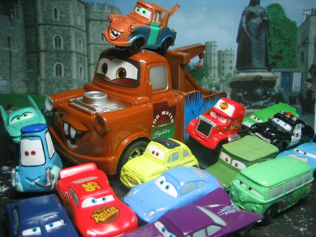 15 Disney Pixar The Cars McQueen,Sally,Luigi, Mater, Ramone,Sheriff  Figure Ref#T001