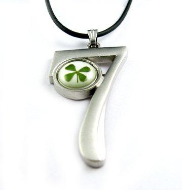 Real Four 4 Leaf Clover Necklace Pendant Number 7