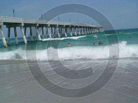 Johnnie Mercer's Pier - 4014 - 11x17 Photo
