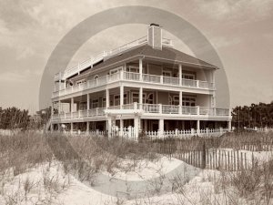 Beach House - 4017 - 11x17 Framed Photo