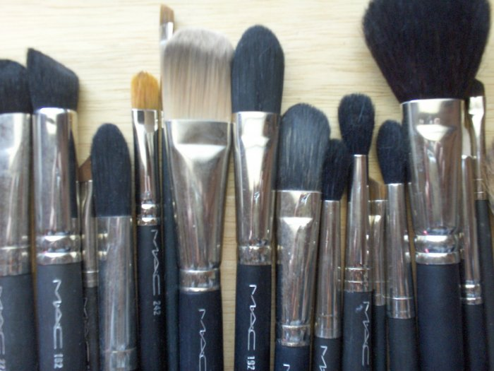 MAC #116 Powder Brush