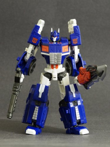 Transformers Generations Ultra Magnus Fall of Cybertron Classics 3.0 Complete