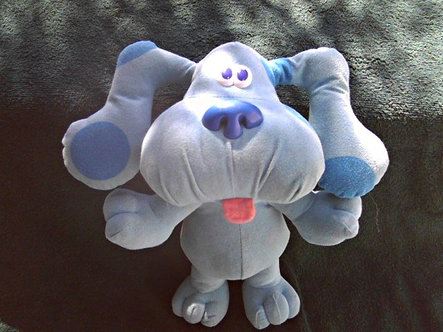 1997 Fisher Price/Tyco Blues Clues Sing-Along Blue Stuffed Plush Toy Doll Dog, Mattel Viacom 39956