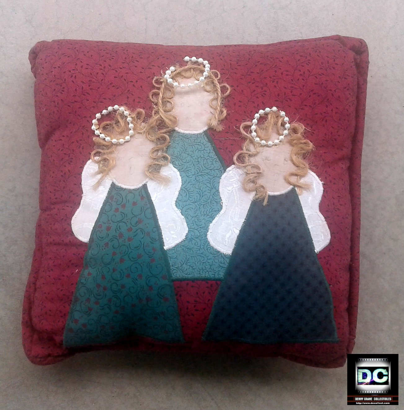 Decorative Throw Pillow [Angels] Holiday Decor-Xmas Gift-Home Accent (Red)