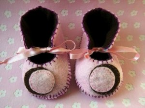 Baby Pink & Chocolate Booties with Crescent Moon, 0-3 months (RM 96)